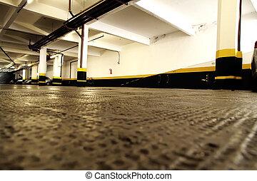 Sotterraneo storia posto parcheggio standing donna - Garage sotterraneo ...