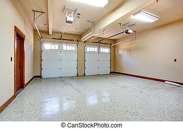 garage., tom