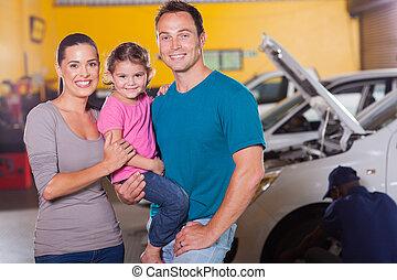 garage, warten, junge familie