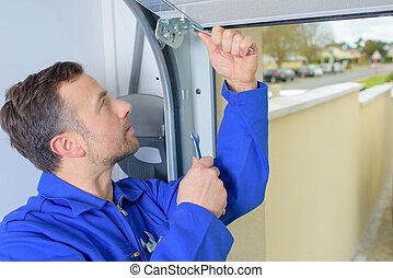 garagentor, installieren, mann