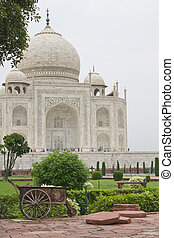 Garden Maintenance at the Taj