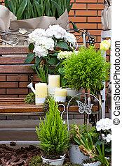 Arrangement in the garden.