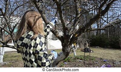 garden works woman