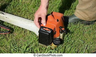 gardener start trimmer - Gardener hand pump fuel and try to...