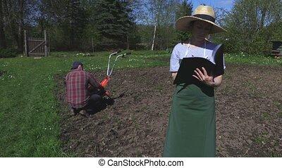 Gardeners plans soil treatment
