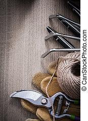 Gardening rake metal trowel fork leather working gloves sharp ga