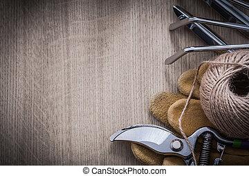 Gardening rake trowel fork leather gloves sharp metal pruning sh