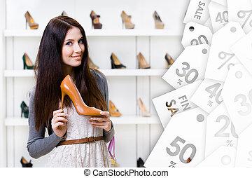 garder, armé, jeune, vente, élevé, femme, chaussure