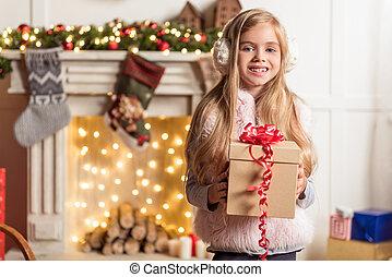 garder, cadeau, enfant femelle, vacances, excité