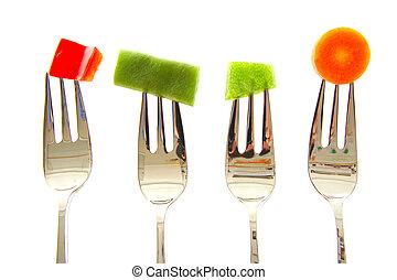 garfos, com, vegetables., vermelho verde, pimenta, feijões, cenoura, isolado, branco, experiência.