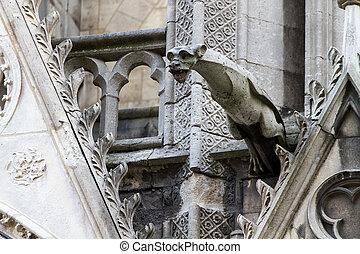 gargulec, katedra, notre paniusia