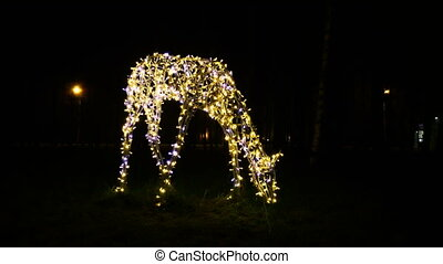 Garland sculptures in shape of deer. - Garland sculptures in...