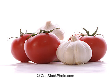 garlic and tomatos