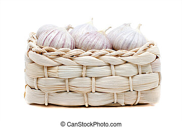 Garlic in the wicker box