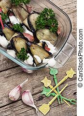 salad with aubergines