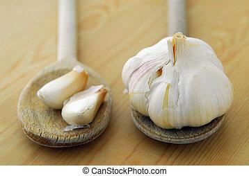 Garlics and spoons