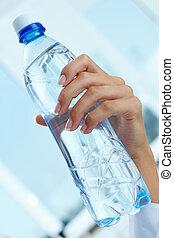 garrafa, mão