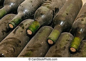 garrafas, em, porão vinho