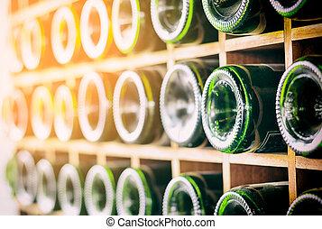 garrafas vinho, em, um, antigas, porão vinho