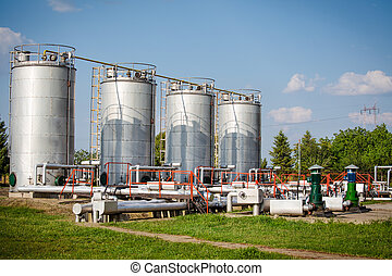 Gas and oil industry tanks