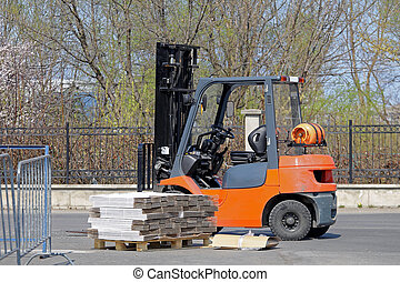 Forklift and Pallet