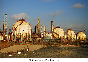 Gas Refinery, fuel tank