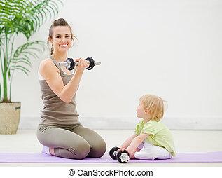 gastando, bebê, condicão física, tempo, mãe