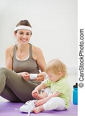 gastando, bebê, ginásio, tempo, mãe