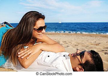 gastando, par, praia, tempo