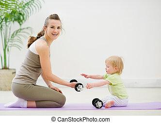 gasto, bebé, gimnasio, tiempo, madre
