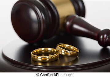 gavel bois, anneaux, mariage