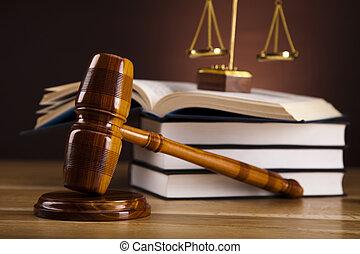 gavel bois, avocat