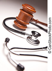 gavel, en, stethoscope, op, gradated, achtergrond