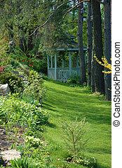 gazebo, en el jardín