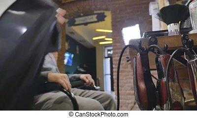 gebaard man, zittende , in, de, barbershop
