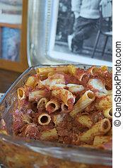 gebacken, nudelgerichte, mit, mozzarella, und, bestandteile, verschieden