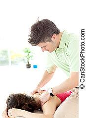 geben, mann, junger, massage, zurück
