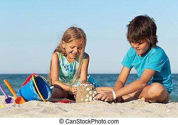 gebouw, geitjes, zandkasteel, strand, spelend