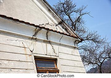 gebouw, geveltop, oud, beschadigen