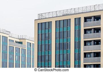 gebouw, kleurrijke, kantoor, vensters, vensters, moderne, commercieel, vrijstaand, above., architecturaal, buitenkant, witte , texture., hemel