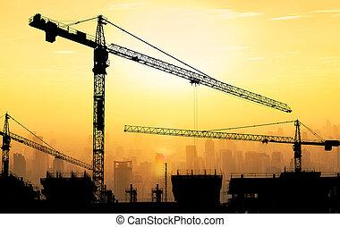 gebouw, mooi, kranen, grote hemel, tegen, achtergrond., bouwsector, ondergaande zon , duister, cityscape