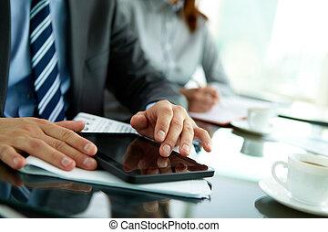 gebrauchend, digital tablette