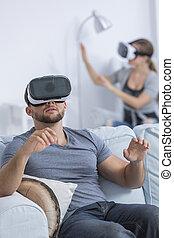 gebrauchend, paar, schwimmbrille, virtuelle wirklichkeit