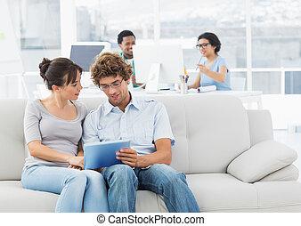 gebruik, paar, ongedwongen, tablet, digitale