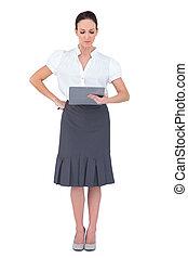 geconcentreerde, businesswoman, kijken naar, haar,...