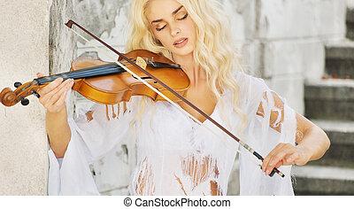 geconcentreerde, vrouw, spelend, de, viool