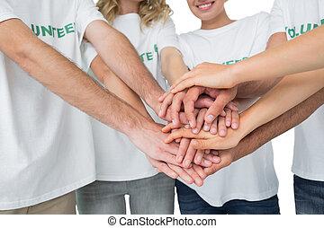 gedeelte, handen, vrijwilligers, midden, samen