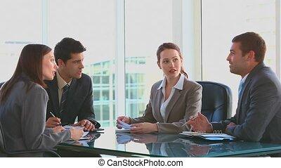 gedurende, vergadering, medewerkers
