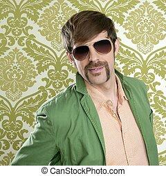 geek, retro, vendedor, homem, engraçado, bigode