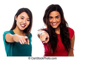 gegen, zeigen, mädels, finger, hübsch, sie